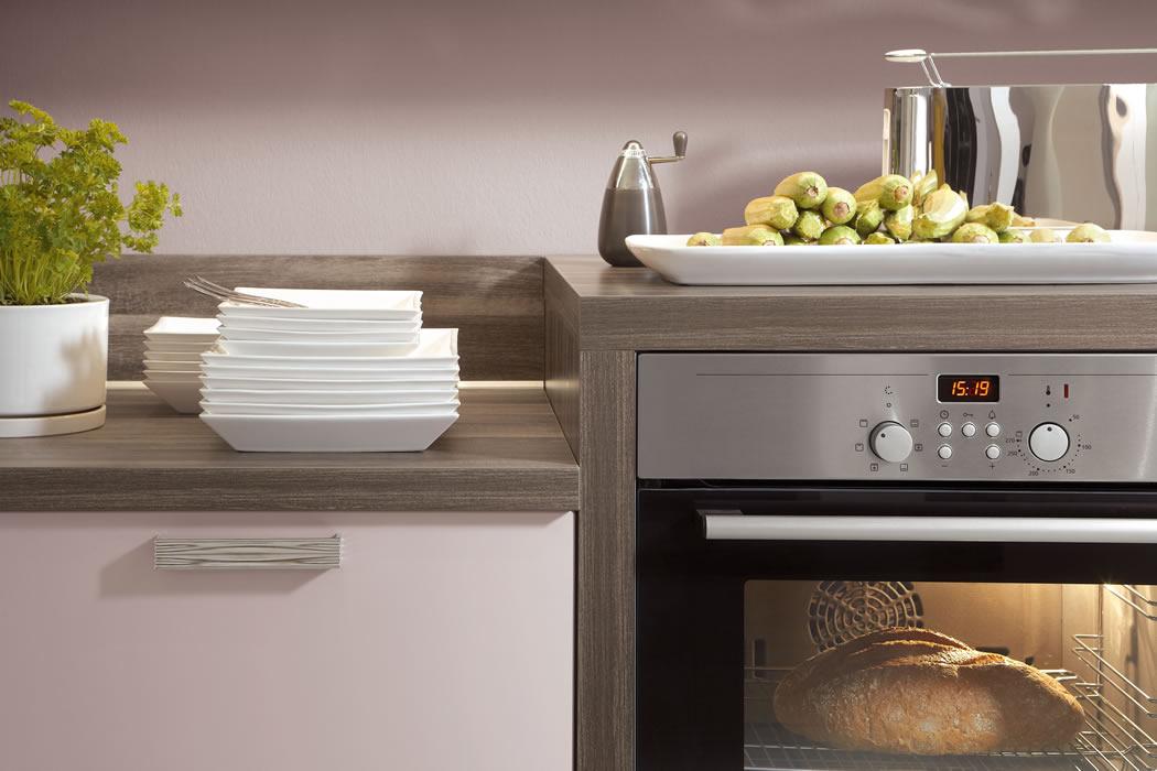 Mit 24 verschiedenen arbeitshöhen zeichnen sich nobilia küchen durch einen hohen grad an flexibilität und ergonomisch optimale küchenplanung aus